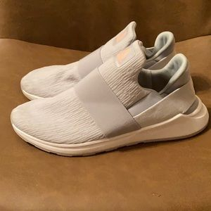 Reebok DMX moving air, slip on athletic shoes